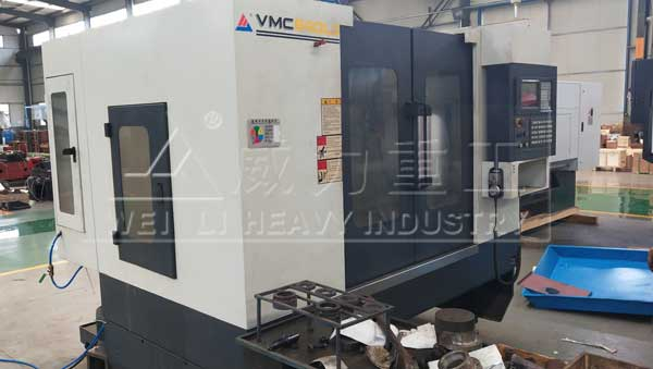 VMC640L3三线轨加工中心